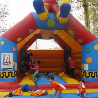 Fotoalbum van Clowns Springkussen | Attractiepret.nl