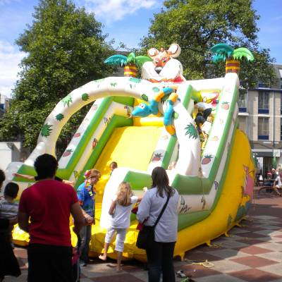Fotoalbum van Tropical Kids Slide - Glijbaan | Kindershows.nl