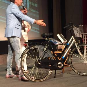 Presentator Jeroen inhuren