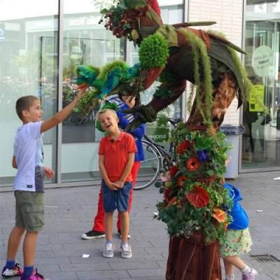 Fotoalbum van De Sprookjesstronk - Straattheater | kindershows.nl