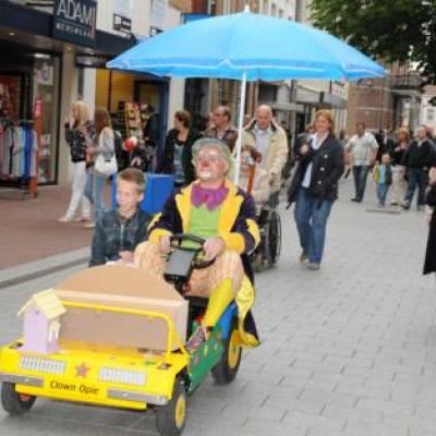 Fotoalbum van Clown Opie met autootje | Clownshow.nl
