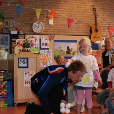 Fotoalbum van Sinterklaasshow Jongleur Niels Duinker | Sinterklaasshow.nl