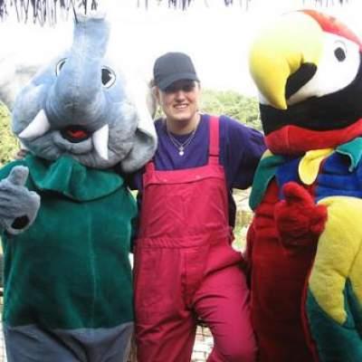 Papegaai en Olifant met hun Verzorger boeken