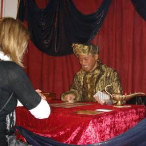 Aladdin Mystiek - Handlezen - Magie - Tarotkaarten boeken of inhuren?