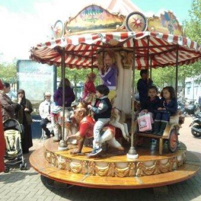 Foto van Oud Hollandse Kindercarrousel Lafayette | Attractiepret.nl