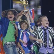 Ralf Mackenbach wint junior Songfestival