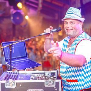 Feest DJ René van Dalen inhuren?