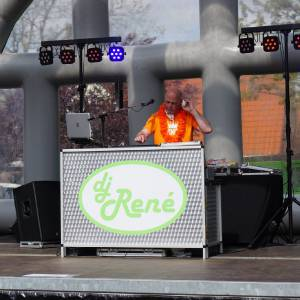 Feest DJ René van Dalen boeken of inhuren?
