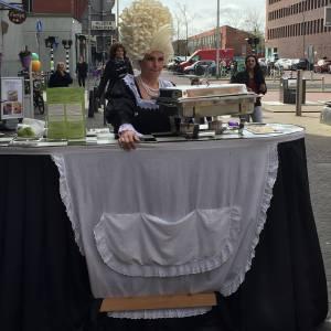 Miss Mable Table - Serveerster boeken of inhuren?