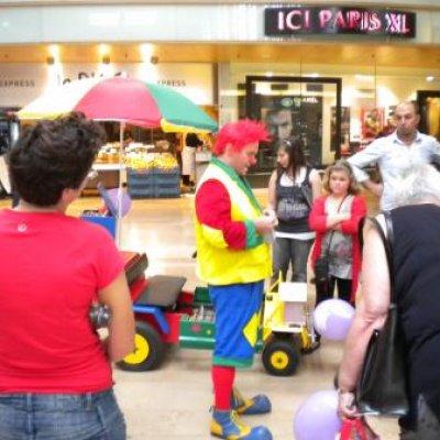 Foto van Clown Flapipo met zijn Clownsfiets | Clownshow.nl