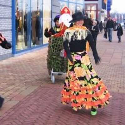 Foto van Mobiele dansende Flaminco Pieten | Sint en Kerst