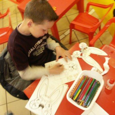 Fotoalbum van Kids Workshop Paashaasmasker maken | Attractiepret.nl