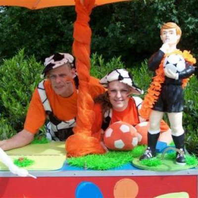 Fotoalbum van Oranje Surprise Car | Attractiepret.nl