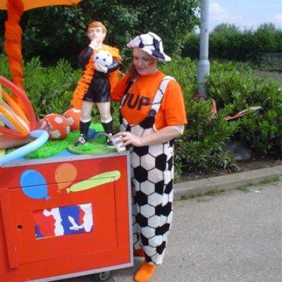 Foto van Oranje Surprise Car | Attractiepret.nl