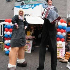 Antje en Jan uit Volendam Steltloop Act boeken