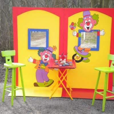 Foto van Kinderen schminken - de Clowns Schminkstand | Attractiepret.nl