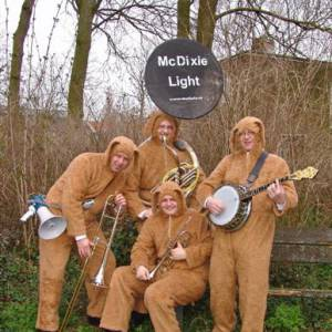 The Swinging Dixieband inzetten