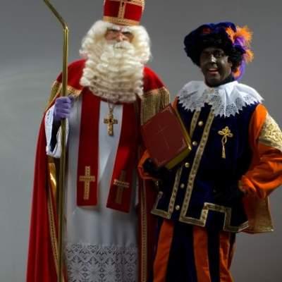 Foto van Sinterklaas en zijn Goochel Piet - Complete Sinterklaasshow | Sinterklaasshow.nl