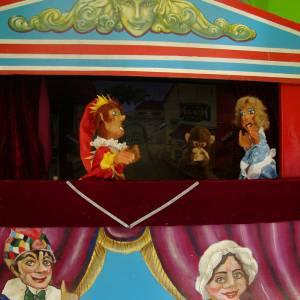 Het Oud-Hollandsche Poppentheater inzetten?
