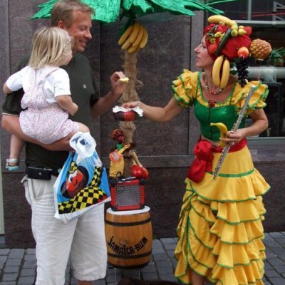 Tropical Lady - Mobiel Muzikaal Entertainment boeken of inhuren