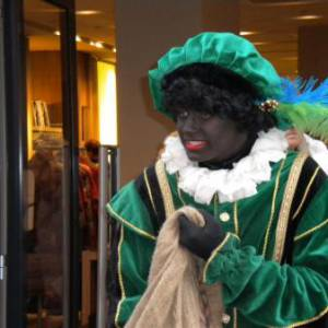 Het Te Gekke Zwarte Pieten Team - 4 Zwarte Pieten boeken?