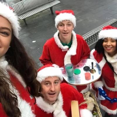 Foto van Het Te Gekke Kerst Team - 4 personen | Attractiepret.nl