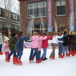 Fotoalbum van Kunststof Schaatsbaan 100 m2 | Kindershows.nl