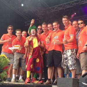 Clown Jopie met Supermedewerkers Feestweek