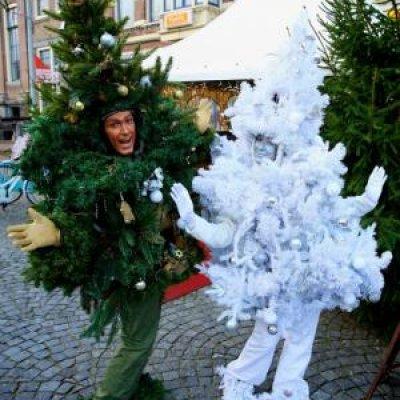Foto van Het levende Kerstboompje! | Artiestenbureau SintenKerst.nl
