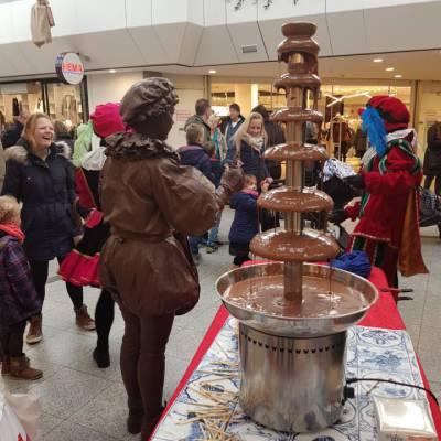 Levend Standbeeld - Chocolade Pietje inzetten of boeken?