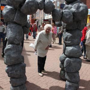 Stone Age - Straattheater inhuren?