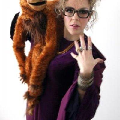 Mister Monkey Boeken of Inhuren?