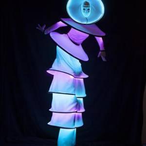 Steltloopact - Circle Mania LED boeken of inhuren