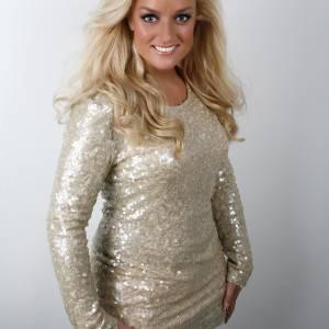 Samantha Steenwijk inhuren voor een optreden