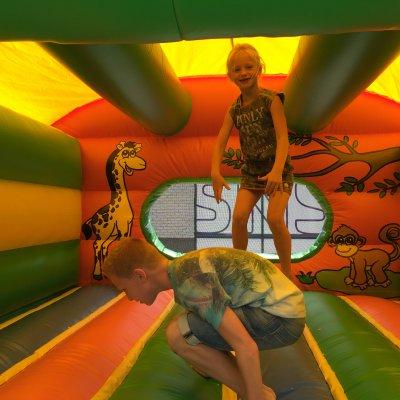 Fotoalbum van Springkussen en Ballenbad Junglebad | Attractiepret.nl