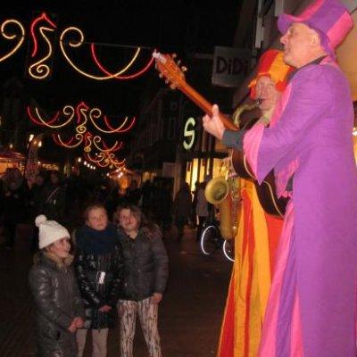 Fotoalbum van Orkest op Stelten - Big Boys | Attractiepret.nl