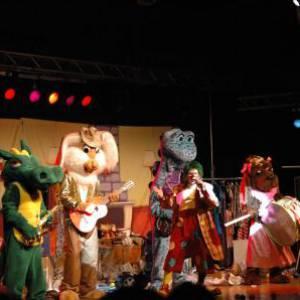 Clown Jopie & Tante Angelique Theatershow boeken of inhuren?