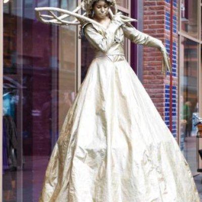 Steltloop Act - Gold Queen boeken of inhuren?