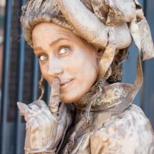 Levend Standbeeld - Moeders Trots inhuren?