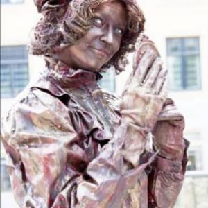 Levend Standbeeld - Mademoiselle Parfum boeken?