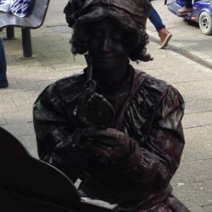 Levend Standbeeld - Mademoiselle Parfum boeken of inhuren?