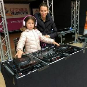 DJ School on Tour -  DJ Workshop voor kinderen huren?