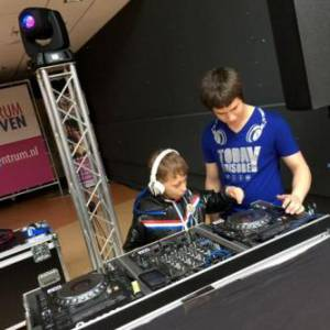 DJ School on Tour -  DJ Workshop voor kinderen inzetten?