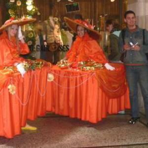 Mobiele Tafeldames oranje boeken