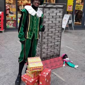 Schoorsteen Spel met Zwarte Piet boeken of inhuren?