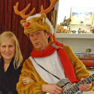 Muzikaal en Zingend Rendier Rudolf boeken of inhuren?