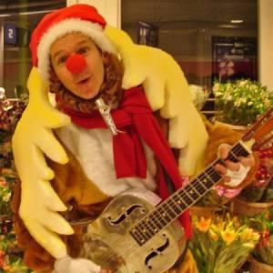 Muzikaal en Zingend Rendier Rudolf inhuren of inzetten