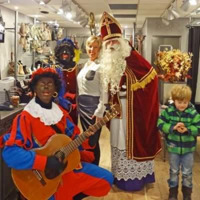 Muziekpiet van Sinterklaas inzetten of boeken