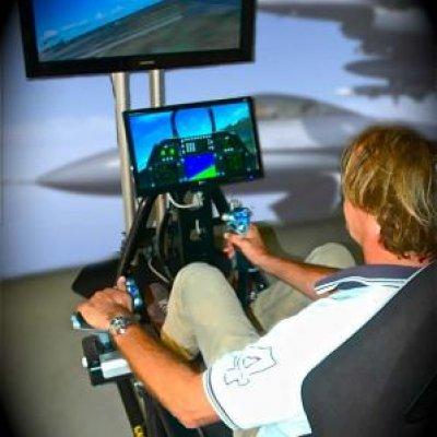 Fotoalbum van F16 Vlieg Simulator | Attractiepret.nl