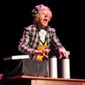 Magic Circus Comedy Show boeken of inhuren?